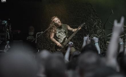 Soulfly (US), support: Cadaveres