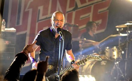 DANKO JONES (CAN) BITERS (USA)